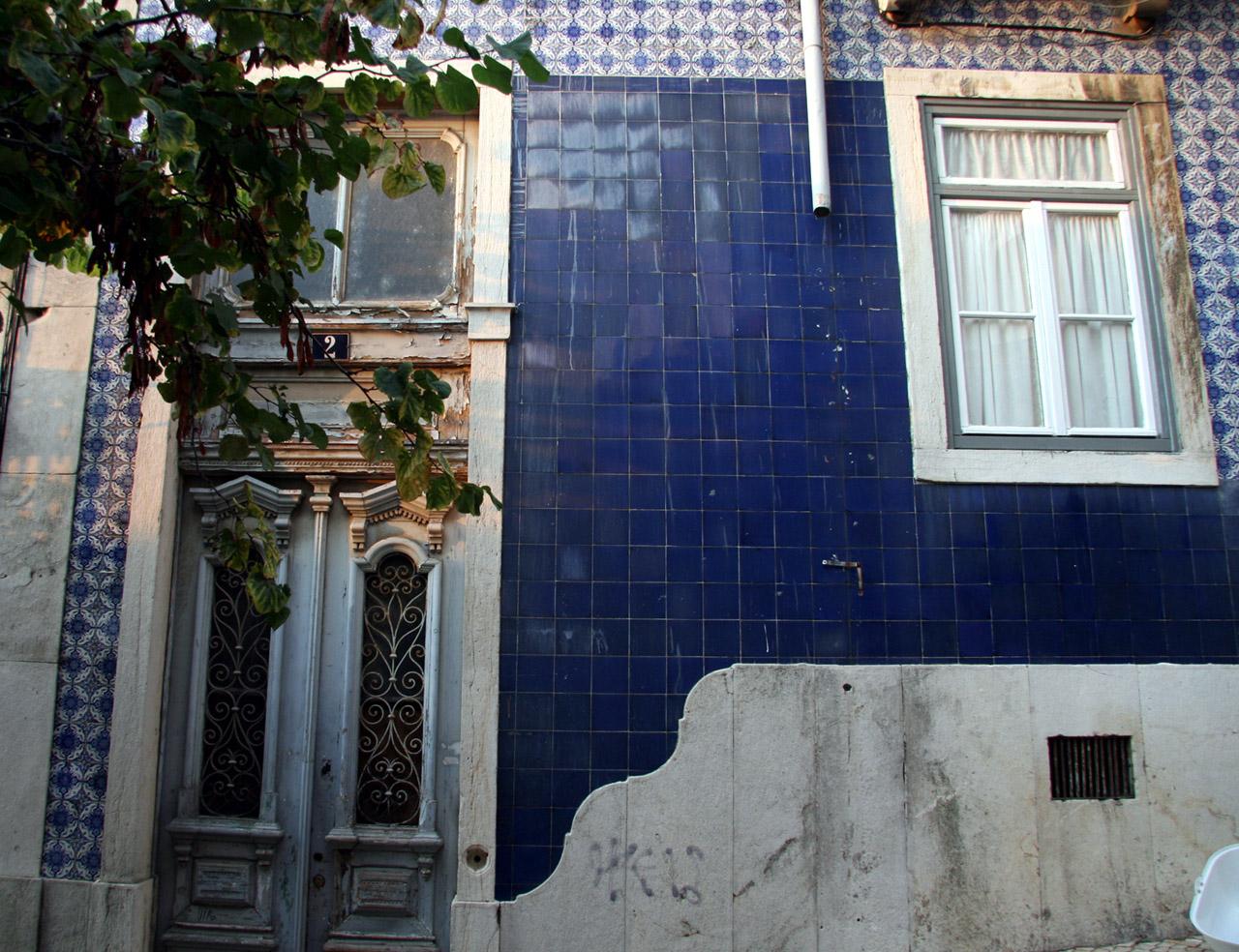 Azulejos à Lisbonne dans Anachroniques canon2009051